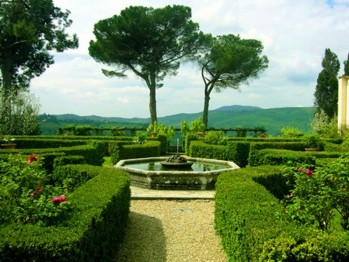 Associazione culturale i cavalieri for Giardini foto ville